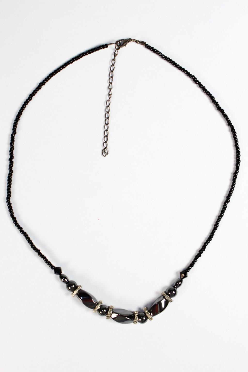Elegantní náhrdelník - bižuterie šedá